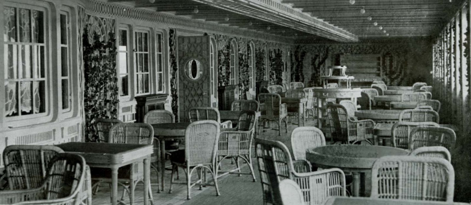 Titanic Cafe PHOTO 20st Class Dining Cafe Parisien Dining Room ...